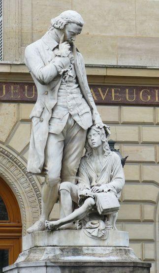 Statue_de_Valentin_Haüy-inja